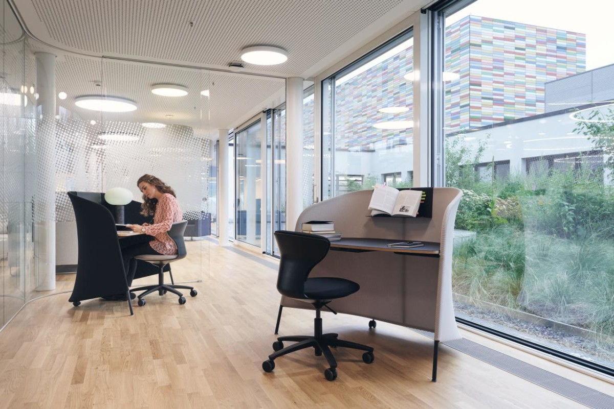 Sedus smart office hot desks